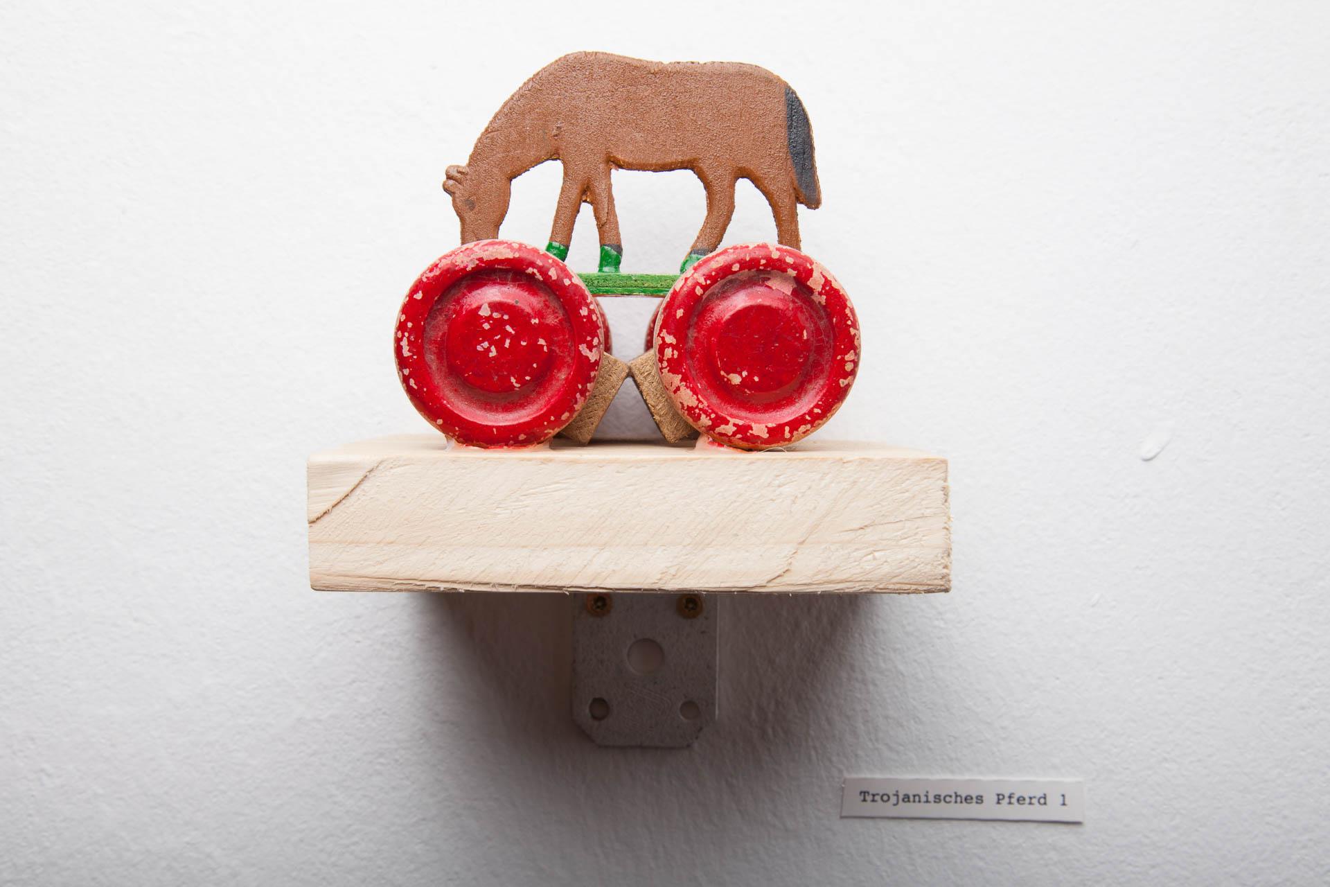 Trojanisches Pferd 2016 / verschiedene Materialien / 15 x 10 cm